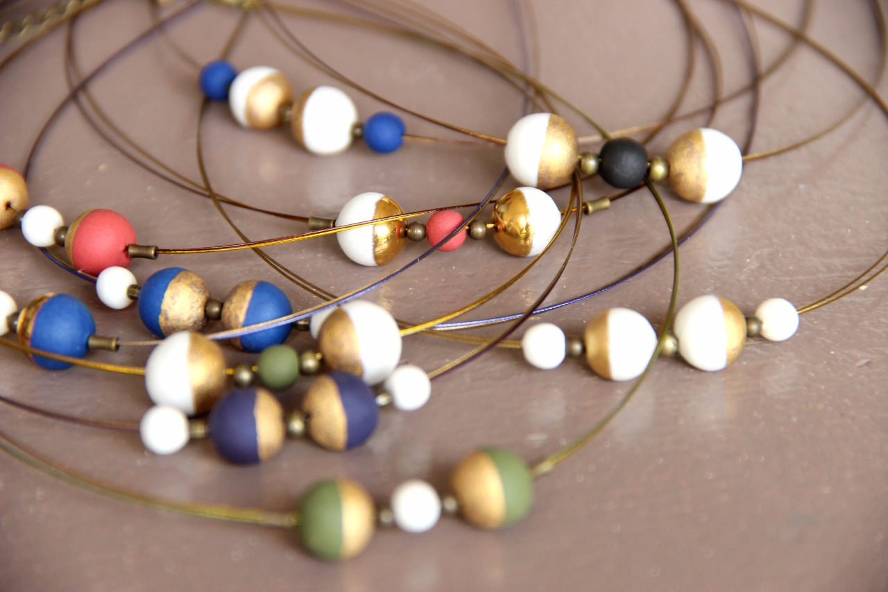 Collier ou bracelet boule colors